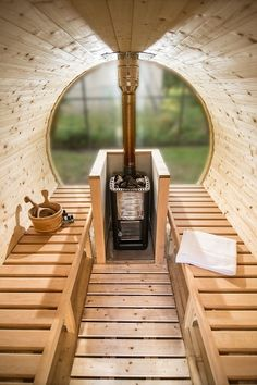 Sauna Tonneau en Épicéa de Scandinavie, Vitrage intégral, Couv. Shingle, L 250 cm, Diam. 190 cm, Poêle bois - TerraGallia | L'habitat au naturel