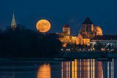 Luna llena en Torun, Polonia 25 diciembre