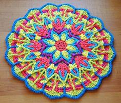 petalstopicots  A beautiful example of overlay crochet.