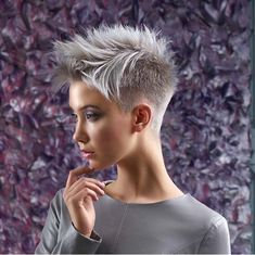 Short White Hair, Edgy Short Hair, Super Short Hair, Short Hair Styles Easy, Short Hair Cuts, Short Pixie Haircuts, Pixie Hairstyles, Short Hairstyles For Women, Woman Hairstyles