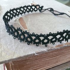 Tatted Lace Choker Necklace Classic Black Metal di TotusMel