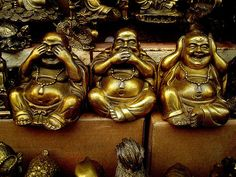 Love this version of the Laughing Buddha 'Hear no evil…' instead of the usual monkeys. Buda Wallpaper, See Tattoo, Three Wise Monkeys, Chill, Mudras, See No Evil, Buddha Meditation, Yoga, Serenity