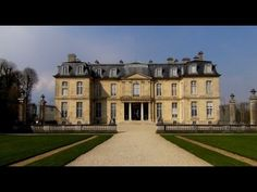 de Menars- dvorac madam Pompadur preuredio je i prosirio arhitekta Zak Anz Gabrijel