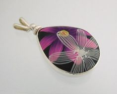 one of the beads my friend Lisa V (designsbylisav.com) bezeled for me. Awesome....