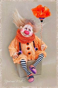 Le Clown, Circus Clown, Porcelain Dolls Value, Send In The Clowns, Polymer Clay Dolls, Soft Dolls, Soft Sculpture, Felt Art, Miniature Dolls