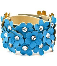 Love the blue breeze color.. Cute for summer