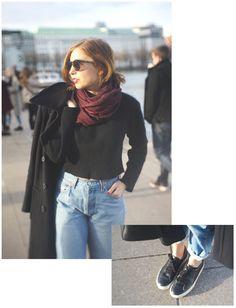 Vintage Outfit: Coat / Pullover / Jeans : Vintage Scarf: Frida Feeling (Fair Fashion) Shoes: OneGroundFotwear (Fair Fashion) Bag: Beliya (Fair Fashion) More on Slow Fashion Blog sloris.de SLOW DOWN & FASHION UP!