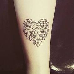 Resultado de imagem para tatuagem coração geometrico