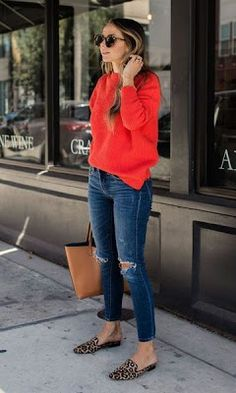 30 Casual Outfits Looks to Inspire Your Autumn Wardrobe - Loafers Outfit - Ideas of Loafers Outfit - cute outfit_red sweater ips bag loafers Mode Outfits, Fashion Outfits, Fashion Ideas, Red Sweater Outfit, Coral Sweater, Red Jumper, Moda Fashion, Womens Fashion, Look Jean