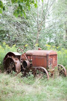Tractors 469992911086227979 - Charming Wisconsin farm wedding, Heather Cook Elliott Photography Source by Antique Tractors, Vintage Tractors, Old Tractors, Vintage Farm, Country Farm, Country Life, Country Living, Abandoned Cars, Abandoned Places