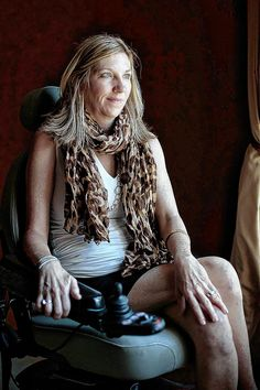 Former longtime Westerville City School District school board member and education advocate Cindy Crowe lost her battle against ALS Saturday. She was 50 years old.