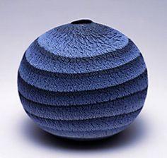 Blue marbled pot – Matsui Kosei