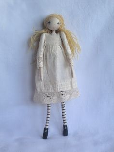 Lovely dolls by Sarah Strachan - i love her little dress