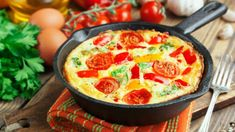 Frittata recipes for perfect breakfast mornings Breakfast Frittata, Sausage Breakfast, Omelette Legume, Ard Buffet, Frittata Recipes, Edible Food, How To Cook Sausage, Lunch Box Recipes, Tortilla