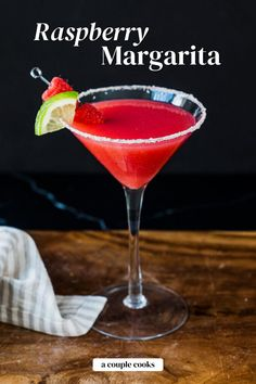 This raspberry margarita recipe has the best zingy berry flavor! Mix up this easy drink with fresh berries to impress all your friends. | alcoholic drinks | drinks | cocktails | tequila drinks | mexican drinks | margarita recipes | cointreau cocktail | triple sec drinks | summer cocktails | raspberry cocktail | #raspberry #margarita #raspberrymargarita #raspberrymargaritarecipe #raspberrycocktail Prickly Pear Margarita, Raspberry Margarita, Pomegranate Margarita, Peach Margarita, Raspberry Cocktail, Watermelon Margarita, Margarita Recipe Cointreau, Easy Margarita Recipe, Margarita Recipes