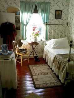 Adorable, vintage cottage bedroom anne of green gables, casa real, cozy house, Cottage Living, Cozy Cottage, Cozy House, Grandma's House, Bedroom Vintage, Vintage Room, Home And Deco, My New Room, Beautiful Bedrooms