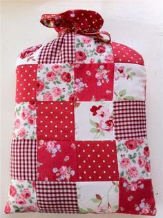 A reason to get out the machine......I love Cath Kidson fabric