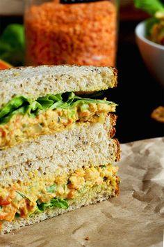 "Chickpea Salad Sandwiches (a. Vegan ""Egg"" Salad Sandwiches) Lentil + Chickpea Salad Sandwiches {a. Vegan ""Egg"" Salad Sandwiches} -Lentil + Chickpea Salad Sandwiches {a. Vegan Lunches, Vegan Foods, Vegan Dishes, Vegan Vegetarian, Vegetarian Recipes, Healthy Recipes, Raw Vegan, Healthy Snacks, Salat Sandwich"