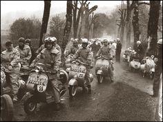 Piaggio Vespa, Lambretta Scooter, Scooter Motorcycle, Vespa Scooters, Bike, Classic Vespa, Classic Cars, Super 4, Motor Scooters