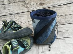Chalkbag Jeans-Upcycling Ballet Dance, Dance Shoes, Slippers, Etsy, Bouldering, Beautiful Bags, Old Jeans, Sachets, Repurpose