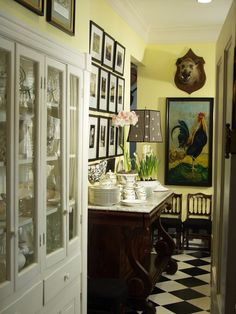 This post is all about fabulous poulets, their posh coops, and how they have been used to create a design trend. French Country interi...
