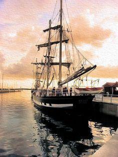 Abenddämmerung im Hafen von Laboe