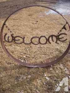 wagon wheel outer rim Welcome sign - (La Pine) for Sale in Bend, Oregon…