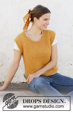 Free knitting patterns and crochet patterns by DROPS Design Drops Design, Knit Shorts, Knit Vest, Knit Cowl, Knitting Patterns Free, Free Knitting, Finger Knitting, Scarf Patterns, Knitting Tutorials