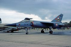 Dassault Mirage F1C français au sol
