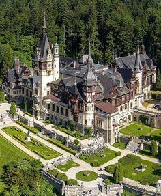 Beautiful Castles, Beautiful Buildings, Beautiful World, Beautiful Places, Peles Castle, Medieval Castle, Places To Travel, Places To Visit, Dream Mansion