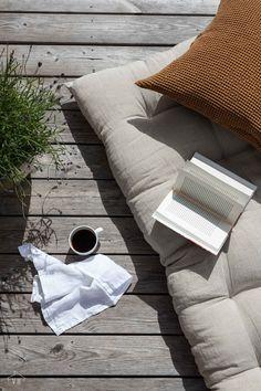 Porch Garden, Terrace Garden, California Garden, Outdoor Balcony, Interior Styling, Interior Design, Patio Design, Summer Of Love, Comfort Zone