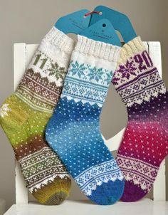 Sokkene blei laget til Norsk Sokkedille Som blei avslutta før de kom så langt at mønsteret mitt blei brukt. Nå legger jeg det ut gratis i stedet. Crochet Socks, Knit Mittens, Knitting Socks, Free Knitting, Knitting Patterns, Knit Crochet, Knit Socks, Knitted Christmas Stockings, Christmas Knitting