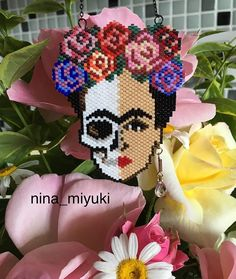 Bead Embroidery Jewelry, Beaded Embroidery, Beaded Jewelry, Seed Bead Patterns, Beading Patterns, Sugar Skull Earrings, Peyote Beading, Beaded Skull, Brick Stitch