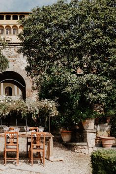 Romantic Wedding at Villa di Maiano in Florence Photo: @elisabettaricciowedding