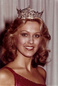 Sept 11, 1977: The new Miss America – Dorothy Benham – is crowned in Atlantic City.