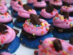 You can't go wrong with some delicious mini cupcakes from @Cori Crutchfield by Melissa!
