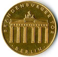 Goldgedenkprägung (900er) Br. Tor / Säulenteil in one box, rare    Dealer  Karl Pfankuch & Co    Auction  Minimum Bid:  400.00EURO