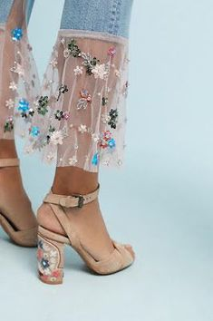 A blog about bohemian women's fashion, home decor, interior decorating, and the boho lifestyle at Anthropologie, Free People, Urban Outfitters #WomensShoe