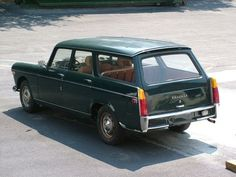 1970 Peugeot 404 Wagon - my parents had two Peugeot wagons when we were kids