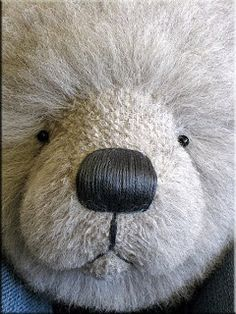 Bearing All: Tutorial: inserting a simple head gusset and stuffing your bear's head.