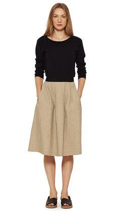 WOMEN SPRING SUMMER 15 - Black wool jumper, natural linen skirt, black leather sandal