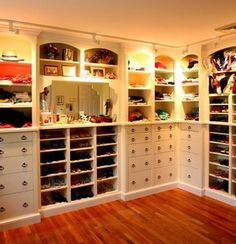 43 Organized Closet Ideas - Dream Closets_05