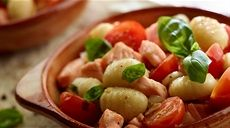 Gnocchi s lososom, cherry paradajkami a bazalkou Lidl, Fish And Seafood, Gnocchi, Ale, Cherry, Meat, Chicken, Marcel, Ale Beer