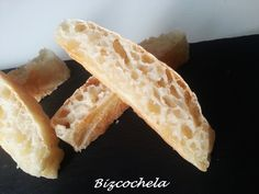 PAN DE CRISTAL CASERO Pan Bread, Hot Dog Buns, Food And Drink, Cheese, Baking, Ethnic Recipes, Pan Rapido, Chocolates, Foodies