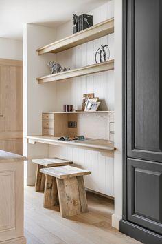 Study Nook, Minimalist Interior, Home Living Room, Built Ins, Decoration, Home Renovation, Interior Design Living Room, Floating Shelves, Home Office