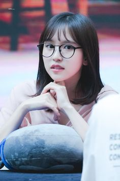 Aww so cute😍 Kpop Girl Groups, Korean Girl Groups, Kpop Girls, The Band, San Antonio, Akira, Twice Kpop, Tzuyu Twice, Japanese American