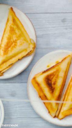 Mac N Cheese Toastie, Diy Abschnitt, Crock Pot Sandwich Recipes, Vegetarian Sandwich Recipes, Vegan Recipes, Cooking Recipes, Vegetarian Appetizers, Dinner Sandwiches, Chicken Wraps, Food Videos, Food Blogs