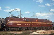 PRR GG1 electric locomotive #4877 - quality Kodalux duplicate slide Railroad Pictures, Pennsylvania Railroad, Electric Train, Train Engines, Electric Locomotive, Train Travel, Trains, North America, Engineering