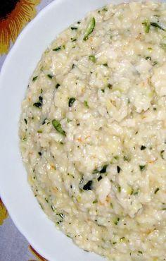 Il gustoso risotto con polpa di granchio e zucchine
