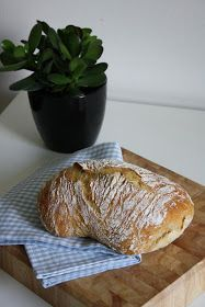 Pataleipä / Maailman helpoin leipä (No-knead bread) Wheat Free Baking, My Favorite Food, Favorite Recipes, Bread Recipes, Cooking Recipes, No Knead Bread, Home Food, Sweet And Salty, Bread Baking